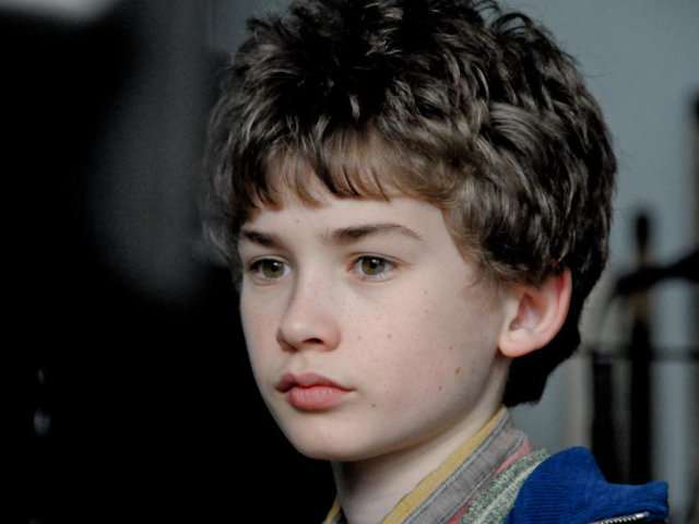 Adrian Moore (young Friedrich Mücke)