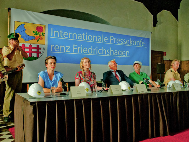 Sven Regener, Leander Haußmann, Annika Kuhl, Anna-Maria Hirsch, Henry Hübchen, Michael Gwisdek, Detlev Buck, Tom Schilling